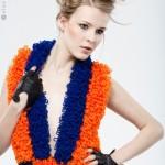 Sukienka wykonana ręcznie z kolorowej mieszanki wełny